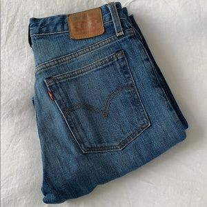 Iconic Levi Wedgie Jeans